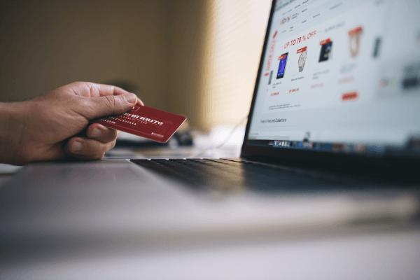 Jak przyspieszyć wysyłkę w sklepie internetowym?
