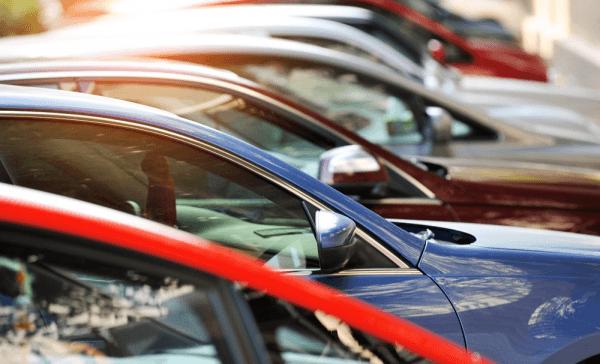 Kredyt samochodowy – jak wybrać najlepszą ofertę bankową?