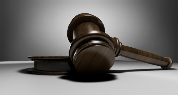 Darowizna – czy konieczna jest kancelaria notarialna?