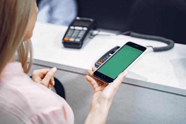 Płacenie telefonem - jak to robić?